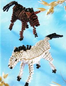 плетение лошади из бисера