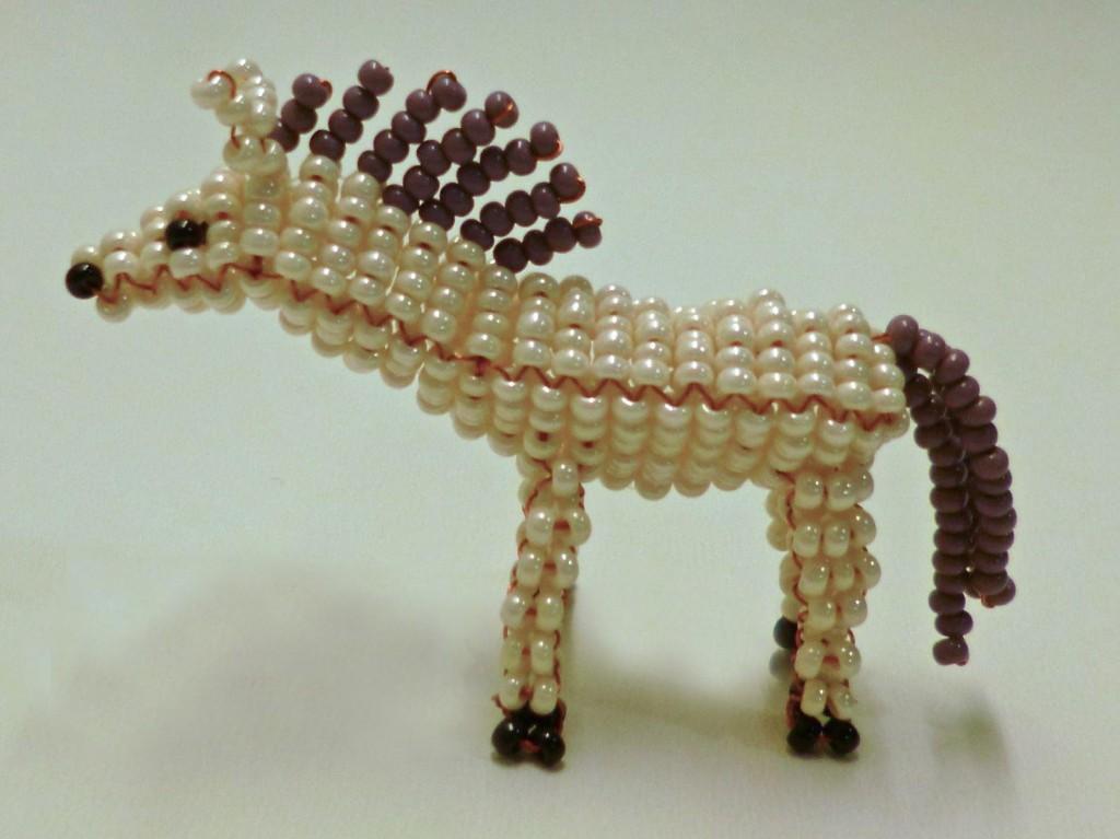 плетение бисером лошади