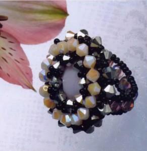 Восхитительное кольцо из бисера – удивляем подруг