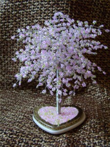 Подарки из бисера: красивые деревья и изысканные украшения
