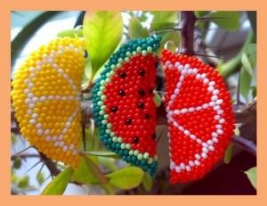 Яркие фрукты из бисера – лето рядом!