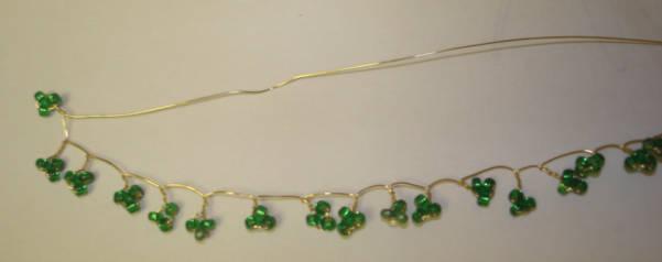 Плетение листьев из бисера