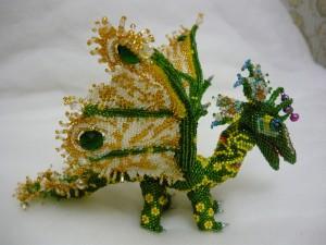 зеленый дракон из бисера